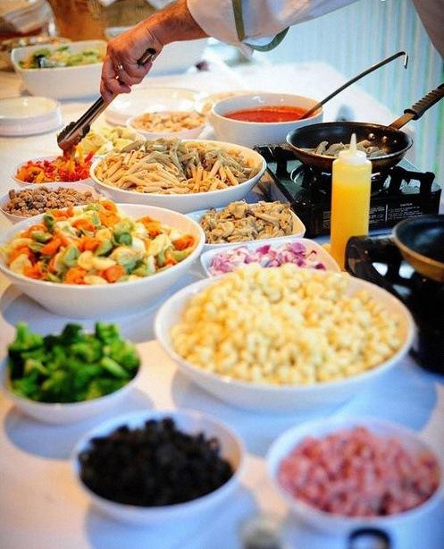 Id e de repas de communion ou confirmation pas cher un pasta bar buffet de - Idee buffet nouvel an ...