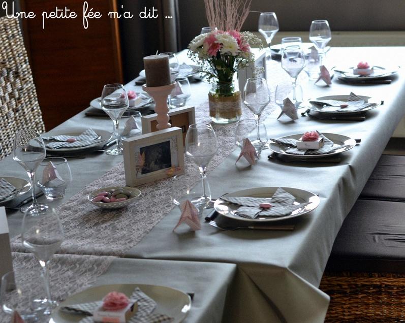 La petite communion diy d 39 elisa en rose p le et beige avec des origami - Deco de table communion fille ...
