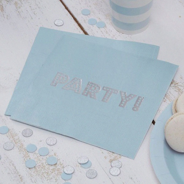 décoration bleu pastel et gris argent