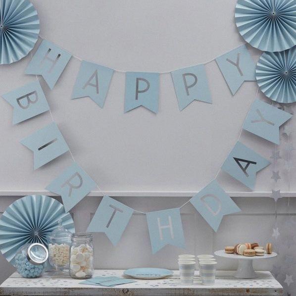 décoration bleu poudré et gris argent