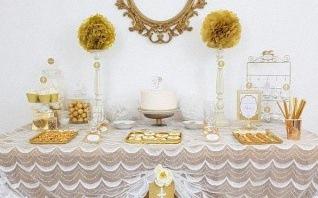 La fête de communion d'Inès en doré et blanc